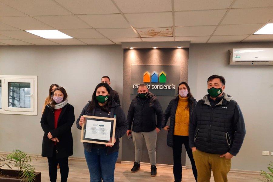 Entrega del Reconocimiento RECC a Creando Conciencia por parte de la Dirección de Acción Cooperativa de la Provincia de Buenos Aires
